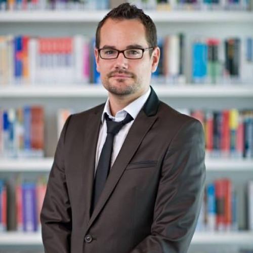 Dr. Nicolas Calvet